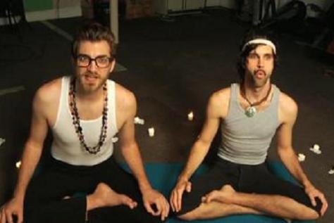 yoga478320